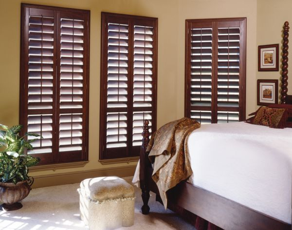 Lovely-use-of-shutters-to-control-natural-ventilation